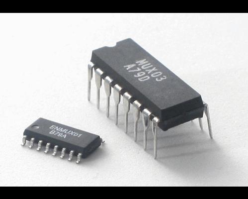Smartec multiplexer for capacitor sensors